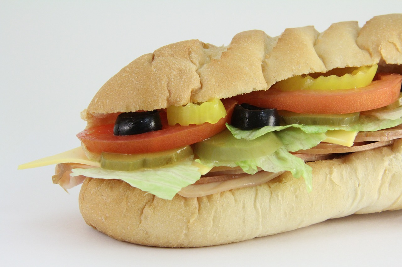 WHO ARE THE TOP COMPETITORS OF SUBWAY   SUBWAY COMPETITORS